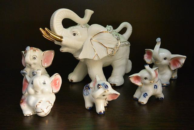 sloni z porcelánu