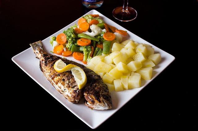 ryba se zeleninou
