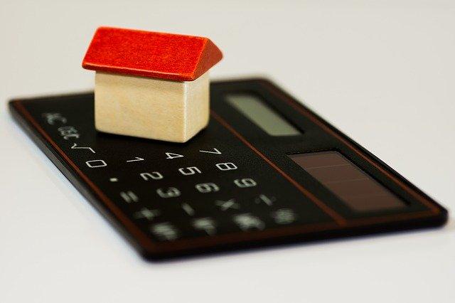 kalkulačka s domečkem