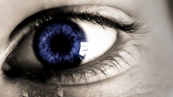 oko pláče