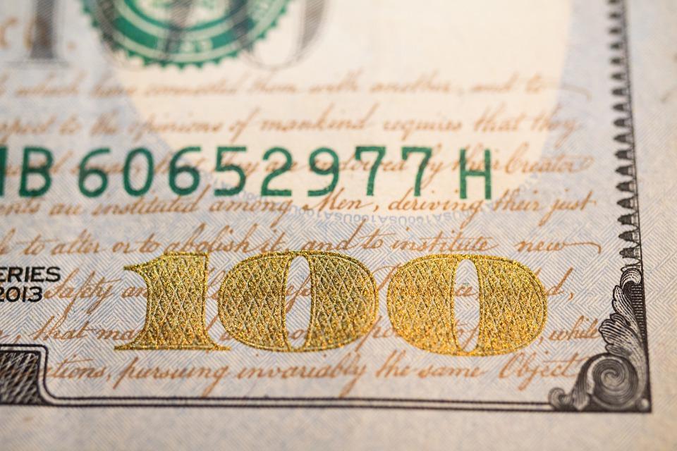 stovka z dolaru